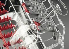 Thema AEG Testwoche 2: SoftSpikes  Die SoftSpikes geben besten Halt, lassen kein Glas verrutschen und schützen so den Glasrand. Die patentierten SoftGrips sind bewegliche Klammern, die zusätzlich Halt in der optimalen Position bieten und insbesondere dünne Stielgläser vor dem Umkippen bewahren.  Wie gefallen Dir die SoftSpikes? Lass uns wissen, ob Dir die Technologie dabei hilft, zartes Geschirr, wie Weingläser, zu schützen. #mytestAEG Joint Venture, Dishwasher, Home Appliances, House Design, Led, Water, Site Internet, Products, Unique
