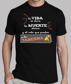 Camisetas La vida es dura (fondo oscuro)