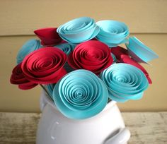 turquoise & red roses | Next, your guests will begin to take notice of your decorations.