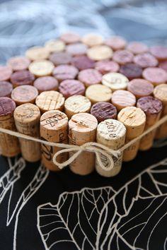 diy cork trivet Recycling For Kids, Cork Trivet, Cork Art, Corks, Percy Jackson, Christmas Ideas, Crafts For Kids, Craft Ideas, Blog