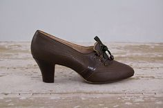 vintage 1930s shoes / Evergreen Oxfords