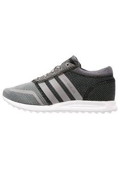 adidas Originals LOS ANGELES Sneakers laag solid grey/metallic silver/white Meer info via http://kledingwinkel.nl/product/adidas-originals-los-angeles-sneakers-laag-solid-greymetallic-silverwhite/