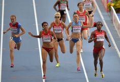 La estadounidense, Brenda Martínez, ganó la medalla de bronce en los 1500 metros en el mundial de campo y pista en Moscú, Rusia.