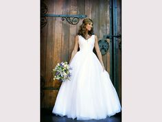 2016 Promotional package of only per person CALL today 011 315 8326 Wedding Gallery, Conference, Centre, Weddings, Wedding Dresses, Inspiration, Beautiful, Fashion, Biblical Inspiration