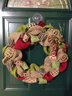 Christmas Burlap Wreath Burlap Wreaths, Burlap Crafts, Wreath Crafts, Wreath Ideas, Diy Wreath, Diy Crafts, Burlap Christmas, Christmas Time, Christmas Ideas