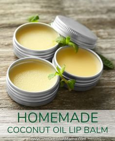 Homemade Coconut Oil Lip Balm Coconut oil lip balm is easy to make! Check out this nourishing non-toxic recipe made with coconut oil, beeswax (or carnauba wax) and olive oil! Lip Scrub Homemade, Homemade Moisturizer, Diy Scrub, Tinted Moisturizer, Coconut Oil Moisturizer, Homemade Soaps, Homemade Coconut Oil, Coconut Oil For Skin, Homemade Vanilla