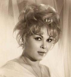 Suzan Avcı Turkish Actors, Celebs, Celebrities, Old Photos, Actors & Actresses, Nostalgia, Cinema, Beautiful Women, History