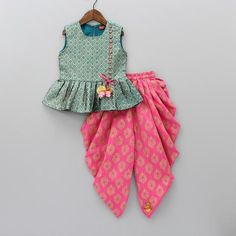 Steal the show with our party, designer & birthday dresses / outfits for children. Shop for clothes of young girls & boys - 15 Years] Baby Girl Dresses Diy, Baby Girl Dress Design, Kids Party Wear Dresses, Baby Girl Frocks, Kids Dress Wear, Girls Frock Design, Kids Frocks Design, Baby Frocks Designs, Little Girl Dresses