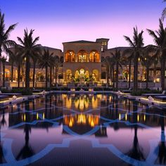 One&Only The Palm offers luxurious beach-front accommodations on Palm Jumeirah's peninsula. One&Only The Palm Dubai Dubai UAE D:Palm Jumeirah R:Dubai Emirate hotel Hotels Dubai Hotel, Dubai Resorts, Hotel Pool, Beach Resorts, Hotels And Resorts, Best Hotels, Dubai Uae, Luxury Hotels, Budget Hotels