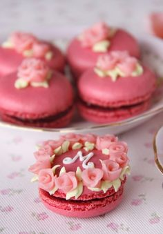 Raspberry Macaroons decorated with roses