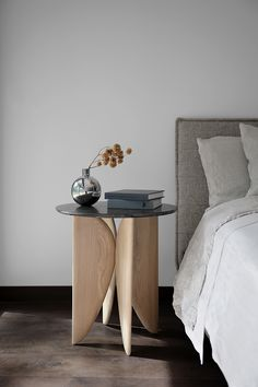 VI, White Oak and Marble Bedside Table from Noviembre by Joel Escalona Marble Furniture, Log Furniture, Furniture Design, Plywood Furniture, Modern Furniture, Plumbing Pipe Furniture, Journal Du Design, English Decor, Futuristic Furniture