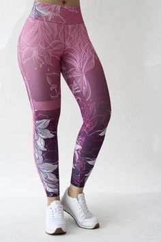 47 Top Legging Outfits Ideas For Beautiful Women To Copy Asap Locate below the most effective novelty leggings showroom ever before and also joy with its boundless selection . Crop Top And Leggings, Leggings Mode, Floral Leggings, Girls In Leggings, Sports Leggings, Printed Leggings, Cheap Leggings, Legging Outfits, Leggings Fashion
