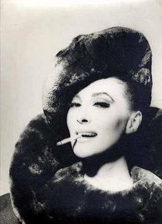 Wilhelmina wearing sheared beaver hat and collar, photo by Robert Laurent, 1960