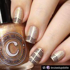 Can't get enough of this cute chevron striped mani - using our Collection 15 by the beautiful @bruisedupdollie