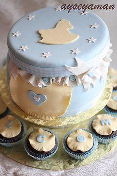 Rocking_horse_baby_shower_cake