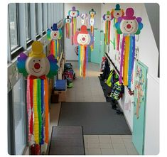 Great carnival: clown craft idea crafts for kids for teens to make ideas crafts crafts Clown Crafts, Circus Crafts, Carnival Crafts, Carnival Themes, Circus Theme, Decoration Cirque, Diy For Kids, Crafts For Kids, Diy And Crafts