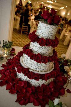 Wedding Cake Roses, Red Rose Wedding, Amazing Wedding Cakes, Wedding Day, Wedding Table, Wedding Ring, Red Wedding Cakes, 40th Wedding Anniversary Party Ideas, Wedding Ceremony