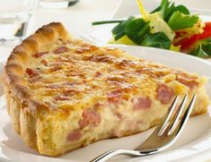 Easy Quiche Lorraine – the best recipes Easy Quiche, Bacon Quiche, Quiche Lorraine Thermomix, Quiche Lorraine Recipe French, Great Recipes, Favorite Recipes, Salty Foods, Quiche Recipes, Food To Make