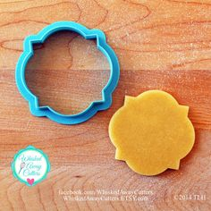 The Miss Mcgoo Plaque Cookie Cutter and Fondant Cutter ($7) ❤ liked on Polyvore featuring home, kitchen & dining, kitchen gadgets & tools, grey, home & living, bird cookie cutter, cookie cutters and round corner cutter