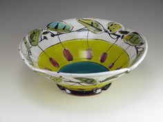 Linda Arbuckle click now for more info. Pottery Bowls, Pottery Art, Ceramic Plates, Ceramic Art, Pottery Designs, Pottery Ideas, Paint Your Own Pottery, Everyday Objects, Color Stories
