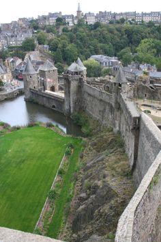 Fougères (35. Ille-et-Vilaine) The castle of Fougères in Brittany (France), the biggest medieval castle of Europe