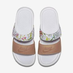 the best attitude 2b814 f793f Nike Benassi Duo Ultra Liberty Women s Slide. Nike.com