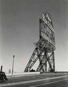 """Chicago""  Author: Walker Evans (American, 1903-1975) Date: 1946 Medium: Gelatin silver print Location: Smithsonian American Art Museum"