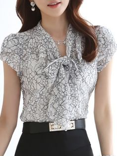 Awesome V Neck Floral Printed Blouses Blouses from fashionmia.com