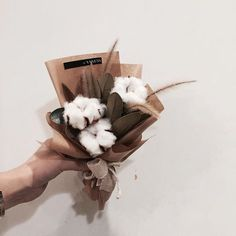. Lesson Order Katalk ID vaness52 E-mail vanessflower@naver.com . #vanessflower #vaness #flower #florist #flowershop #handtied #flowergram #flowerlesson #flowerclass #바네스 #플라워 #바네스플라워 #플라워카페 #플로리스트 #꽃다발 #부케 #원데이클래스 #플로리스트학원 #화훼장식기능사 #플라워레슨 #플라워아카데미 #꽃수업 #꽃주문 #부케 #花 #花艺师 #花卉研究者 #花店 #花艺 . . #목화꽃다발 . . 몽글몽글 귀여운 목화시즌이 돌아온