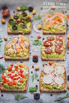Sandvisuri cu avocado - in diverse combinatii, cu masline, somon, naut, rosii cherry, ardei gras, ridichi, branza telemea sau parmezan.