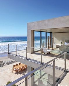 Se puede tener mejores vistas en una casa? Future House, Dream Beach Houses, Modern Beach Houses, Contemporary Beach House, Modern Homes, Modern Contemporary, Dream Home Design, Best Modern House Design, House Goals