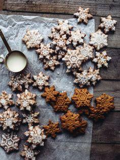 Lemon & Cardamom Gingerbread Cookies