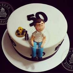 Bolo personalizado by Mirella Rodrigues Cake Factory