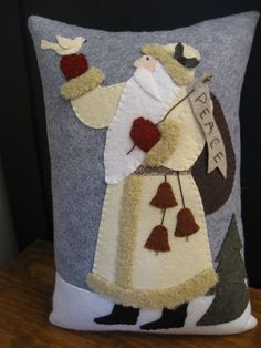 Santa of Peace Hand Made Wool Applique Christmas Pillow & Primitive Santa Pillow Christmas Wool Applique Pillow | Wool ... pillowsntoast.com