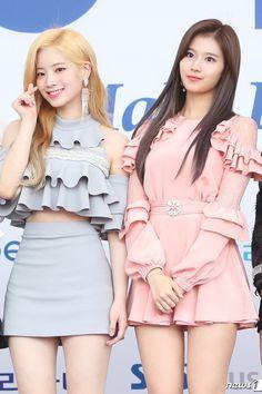 Dahyun & Sana (Twice) Kpop Fashion, Korean Fashion, Fashion Outfits, Stage Outfits, Kpop Outfits, Nayeon, Kpop Girl Groups, Kpop Girls, K Pop