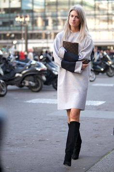 Street Style Paris Fashion Week - Street Style Photos from PFW - Elle - Maybe a little too loose