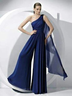 2019 Chiffon Bridesmaids Jumpsuits dresses Royal Blue Wedding party pants - Mother Of The Bride Pantsuits Cheap Prom Dresses, Homecoming Dresses, Bridesmaid Dresses, Formal Dresses, Bridal Dresses, Dresses 2016, Quinceanera Dresses, Vestidos Azul Royal, Wedding Jumpsuit