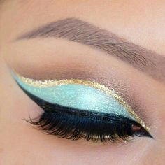 Blue and gold cut crease