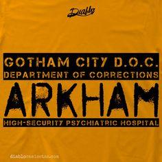 "ARKHAM Camiseta inspirada en uniforme de los reclusos del hospital psiquiátrico de Gotham City: Arkham. En la parte delantera aparece el número de recluso y en la trasera aparece el texto ""Gotham City D.O.C., Departament of Correction, Arkham, Hight Security Psychiatric Hospital"". www.diablocamisetas.com"