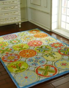 This is a French country style area rug, and it is also a fine dollhouse living room decor. Bear Rug, Decorative Borders, Braided Rugs, Dollhouse Accessories, French Country Style, Floral Rug, Circle Design, Dollhouse Furniture, Floor Rugs