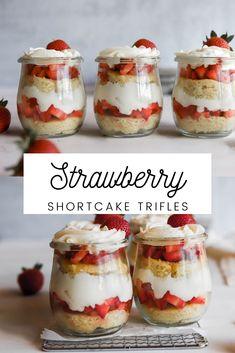 Easy Fruit Desserts, Mason Jar Desserts, Parfait Desserts, Easy Summer Desserts, Summer Dessert Recipes, Cold Desserts, Strawberry Desserts, Summer Trifle, Strawberry Shortcake Trifle
