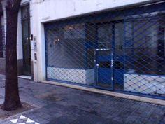 loja fechada porta de aco