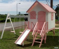 juegos para niños con palets - Buscar con Google Playhouse Outdoor, Wooden Playhouse, Cubby Houses, Play Houses, Kids Play Equipment, Casa Kids, Playground Set, Wendy House, Backyard
