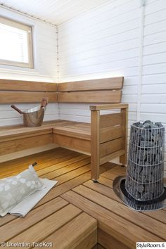 Scandinavian Saunas, Scandinavian Bathroom, Dry Sauna, Sauna Design, Finnish Sauna, Spa Rooms, Sauna Room, Home Remodeling, Corner Desk