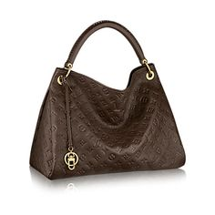 Louis Vuitton Monogram Empreinte Artsy MM Spacious, sophisticated and chic, the Artsy MM is a timeless tote bag. In sumptuous embossed Monogram Empreinte leather, a luxuriously ornate handle and rich golden brass pieces create a refined look. Louis Vuitton Artsy Mm, Louis Vuitton Usa, Louis Vuitton Monogram, Gucci Handbags, Louis Vuitton Handbags, Purses And Handbags, Leather Handbags, Vuitton Bag, Black Handbags