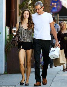 Who is jeff goldblum dating 2013