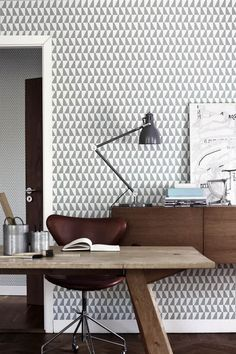 The wallpaper Trapez - 2739 from Boråstapeter is wallpaper with the dimensions m x m. The wallpaper Trapez - 2739 belongs to the popular wallpaper col Office Inspiration, Scandinavian Design, Office Decor, Interior Design, House Interior, Office Workspace, Office Interiors, Home, Home Decor