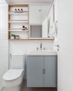 Small Bathroom Sinks, Bathroom Sink Vanity, Bathroom Design Small, Bathroom Interior Design, Interior Decorating, Bathroom Layout Plans, Modern Wooden House, Apartment Makeover, Bathroom Inspiration