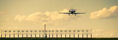 Plane landing at Airport Vienna | von Gerald Tallafuss