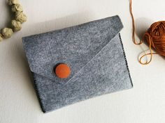Grey felt clutch, coin purse, felt wallet, felt pouch, felt make up bag, large clutch felt – Gift for her Grey felt purse – Sweet and Mellow